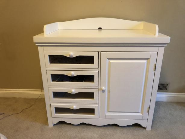 Changing Table - Almost Like New
