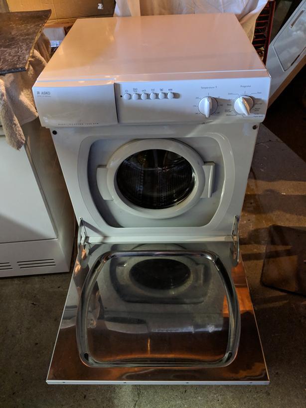 Esko stackable washer & dryer