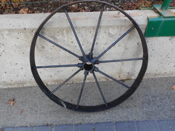 Antique Garden Wagon Wheel