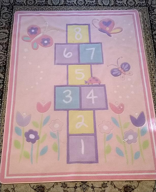 "Girl hopscotch area rug ( 50""x70"")"