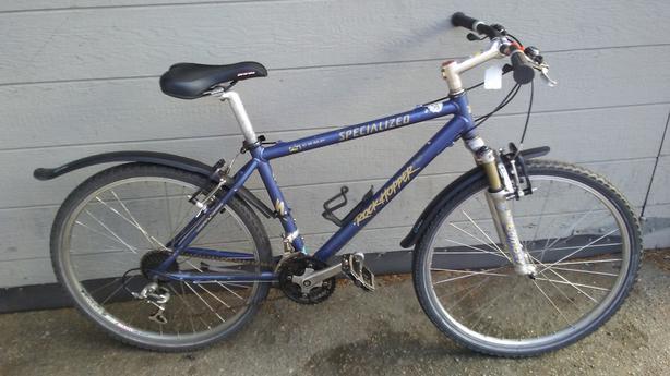"Aluminum Specialized Rockhopper, 26"" wheels, 21 speed, 17"" frame"