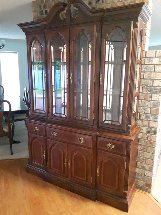 Reduced Price Estate Furnishings Dining Room Suite