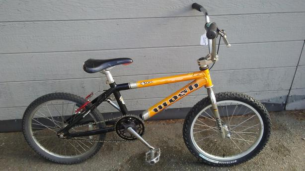 Mosh Pro aluminum BMX with rear V-brakes
