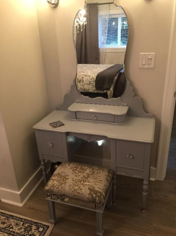 Gorgeous vanity and stool