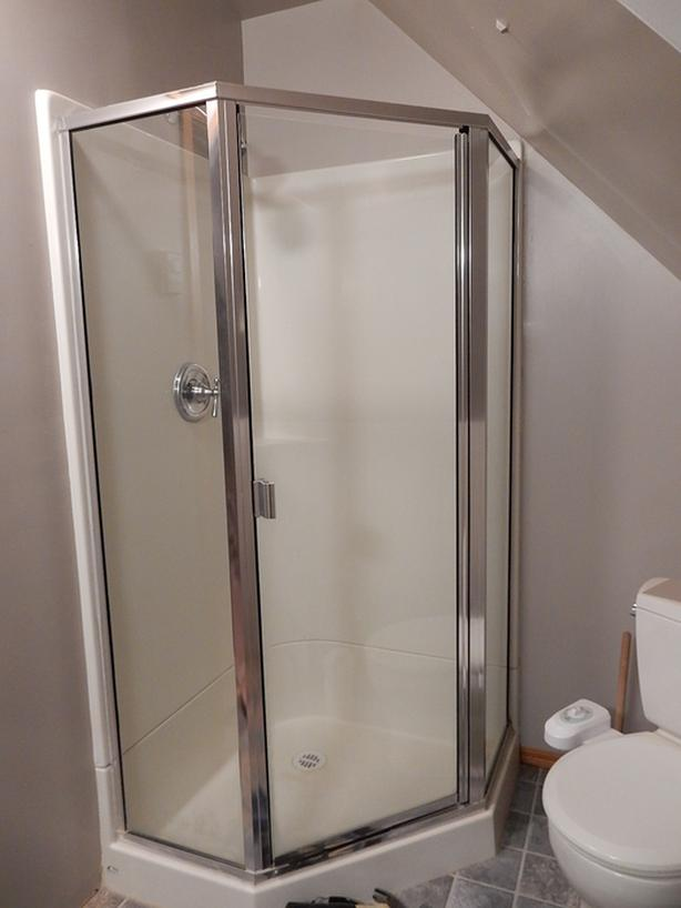 FREE: Glass surrond for 36 x 36 neo angle shower