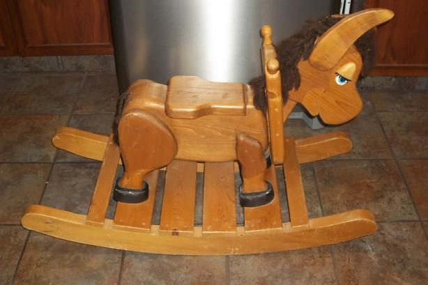 Amish Made of solid wood Rocking horse dunkey for toddlers and kids
