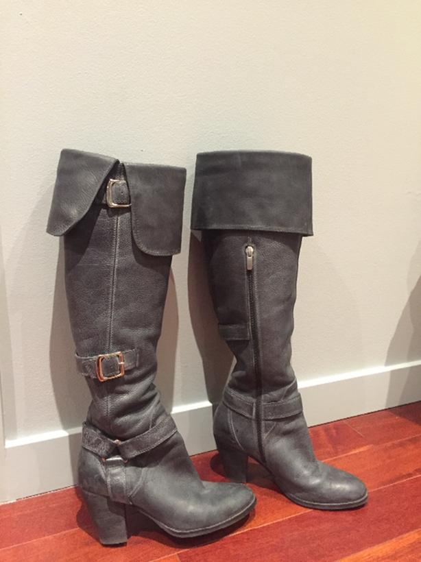 Beautiful Grey Italian Leather Boots
