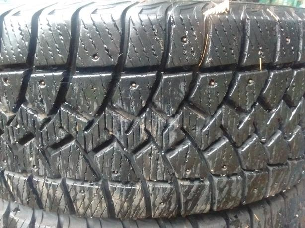4x 265/70r/17 goodyear studded tires