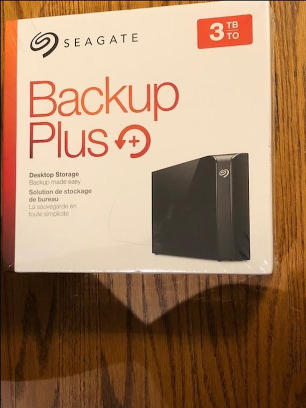 Seagate 3 TB Backup Plus Desktop Ext Hard Drive USB 3.0-NEW!