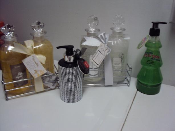 bubble bath and cream bath gift sets and 2 soap dispensers