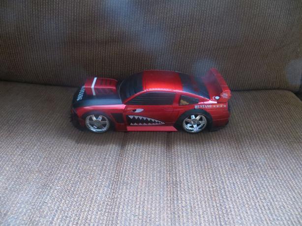 Big Mustang car