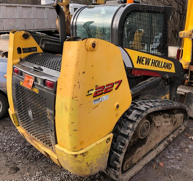 New Holland C277 Compact Track Loader 2011