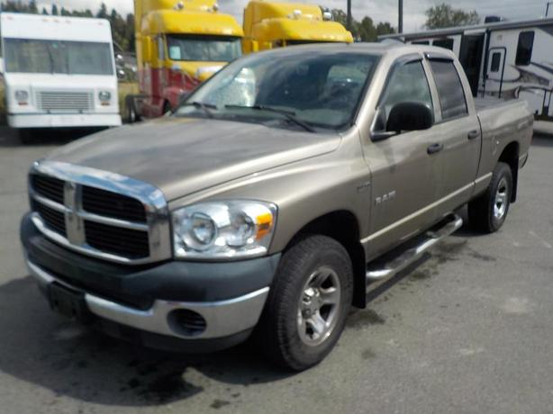 2008 Dodge Ram 1500 SXT Quad Cab Regular Box 4WD with Tonneau Cover