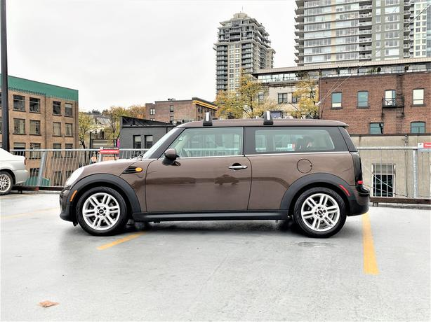 2011 MINI CLUBMAN - LEATHER - AUTO - SUNROOF - ONLY 80K