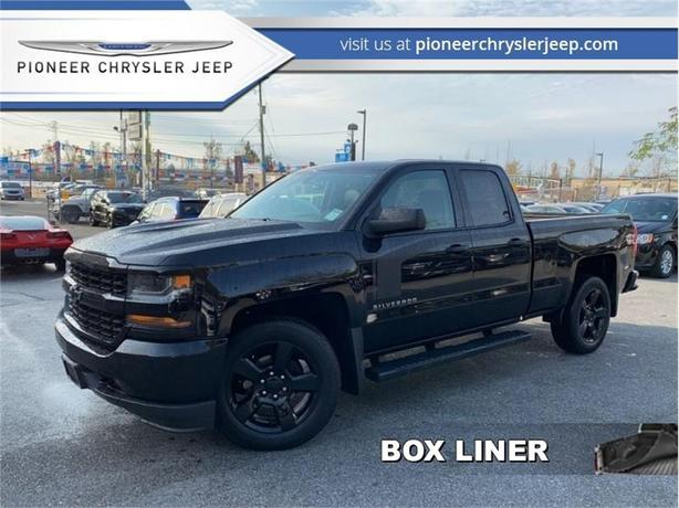 2017 Chevrolet Silverado 1500 Custom  -Onstar -Box Liner