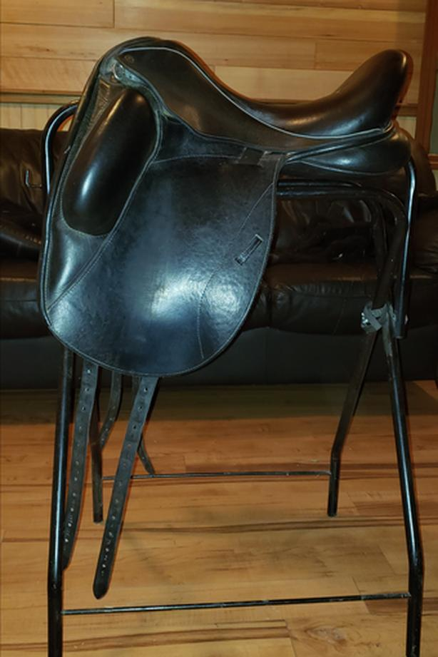 Mono Flap Dressage Saddle, Custom Saddlery West Shore: Langford