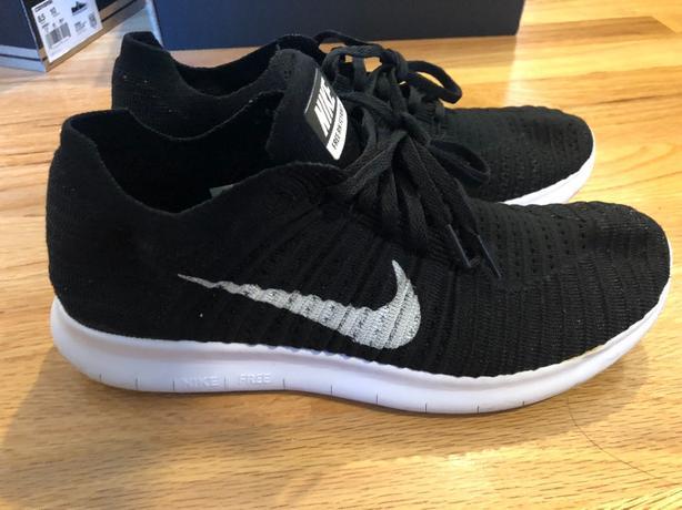 d57f6c5df033 Nike free rn flyknit black size us 9 Saanich