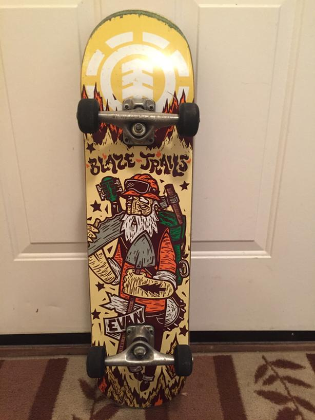 abc9209fb26 Complete skateboard good condition