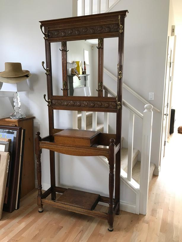 ANTIQUE VICTORIAN HALLSTAND WITH GLOVE/HAT COMPARTMENT