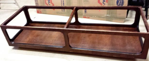 Coffee table w/inset tempered glass
