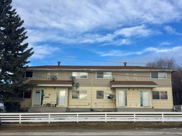 Lovely townhome for rent in WINFIELD, AB