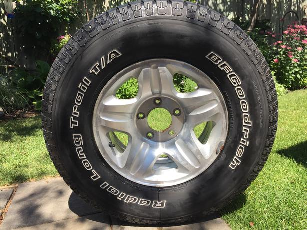 Used Tires Winnipeg >> Bf Goodrich P265 75r16 Tire And Ford Rim St James