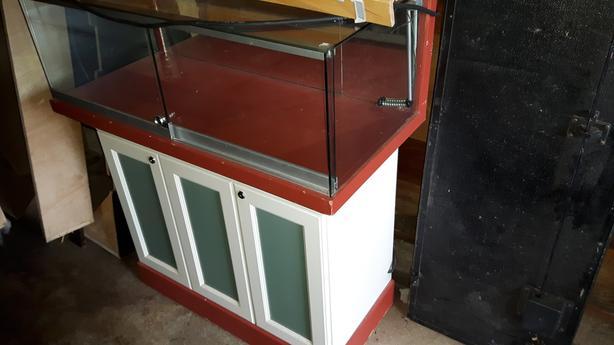 Outstanding Display Cabinet Locking Doors On Castor Wheels Victoria Download Free Architecture Designs Embacsunscenecom