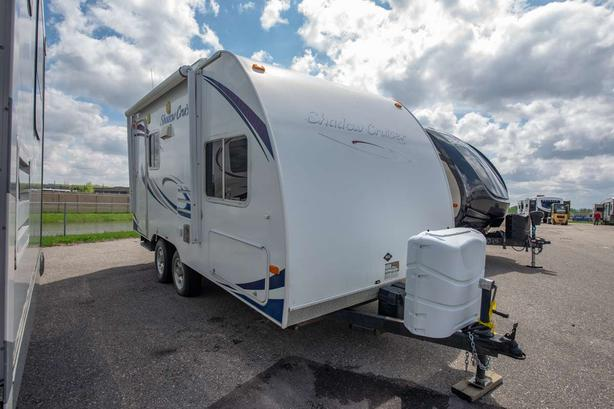 2010 CRUISER RV SHADOW CRUISER 185FBS