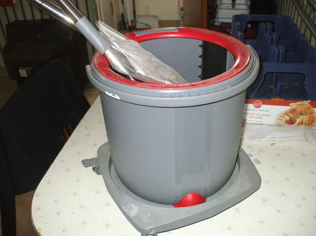 ULTIMATE SPIN MOP/WITH OPTIONAL ROLLING BASE
