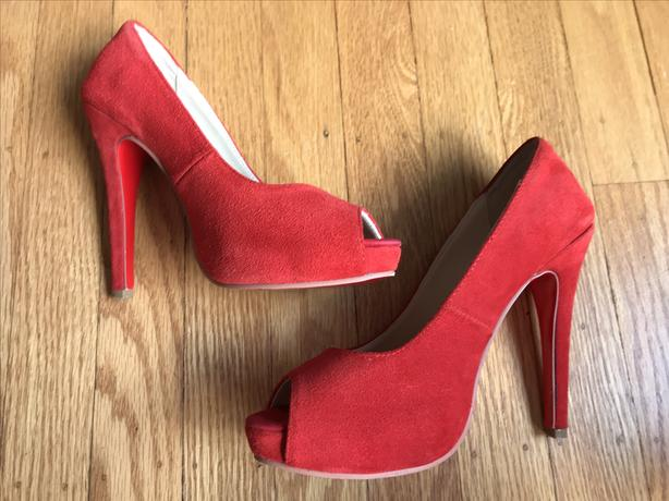 premium selection 955b8 bed12  Log In needed $50 · REDUCED: Christian Louboutin Very Prive Red Suede  Peep Toe Pump - Size 5