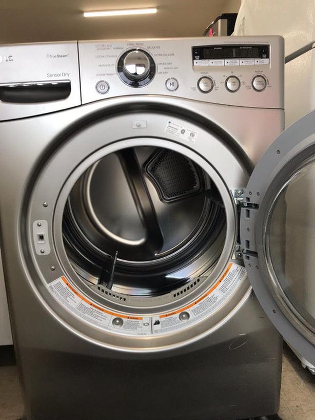 LG Super Dryer with Steam