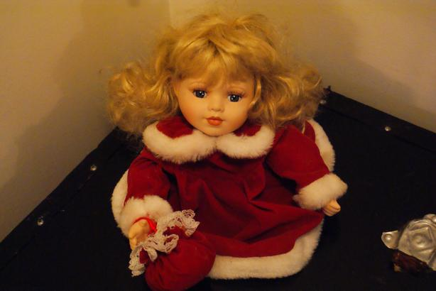 porcelain doll/decor Christmas decor 1970s excellent condition