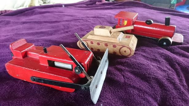 VINTAGE 1940'S WOODEN TRUCKS/COLLECTIBLE 60'S-90'S DOLLS & TOYS.