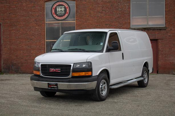 2017 GMC Savana 2500 Cargo Van - ONLY 6,*** KM!