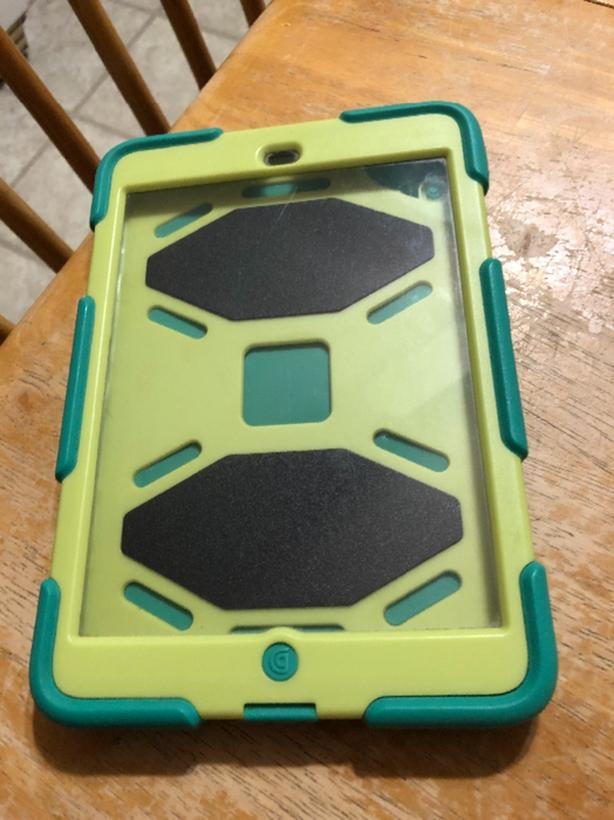 Griffin Survivor case iPad Mini Green