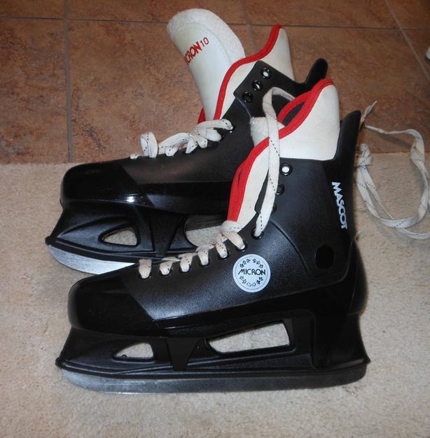 Micron Men's ice skates size 10, hockey