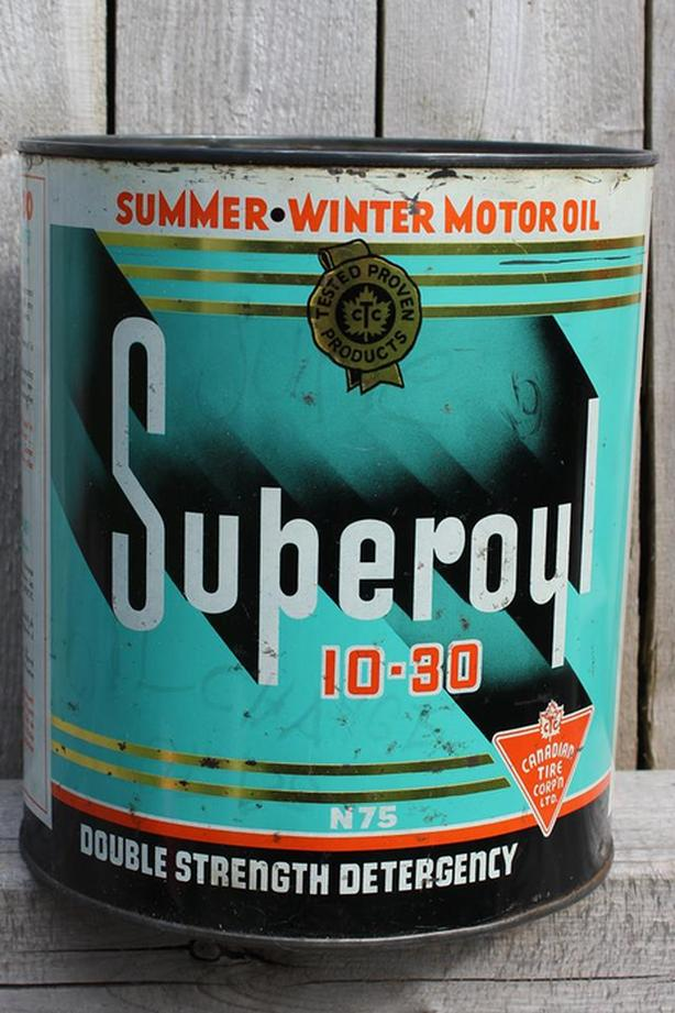 VINTAGE 1950's CANADIAN TIRE SUPEROYL MOTOR OIL GALLON CAN