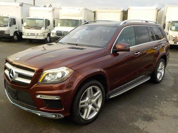 2014 Mercedes-Benz GL550 4Matic 3rd row seating