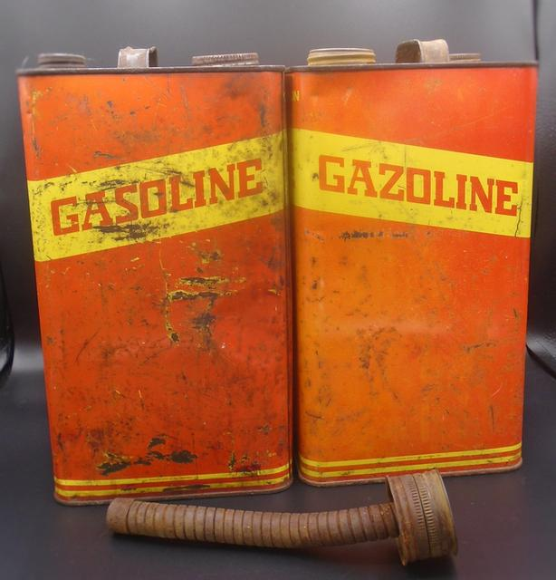 VINTAGE 1960's GASOLINE IMPERIAL GALLON CANS & SPOUT LOT