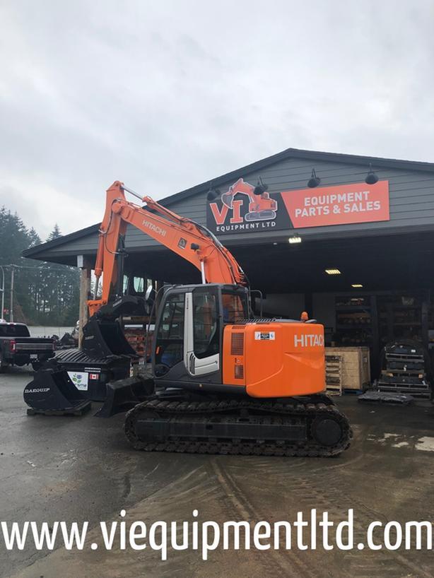 Hitachi ZX135-3 Excavator