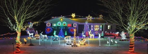 Gary's Christmas sequenced lights and music show.