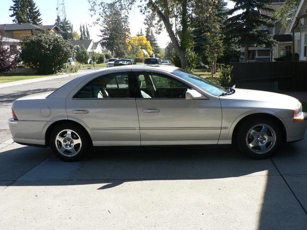 2000 Lincoln LS V8 Sedan - Mint - 69,400 kilometers