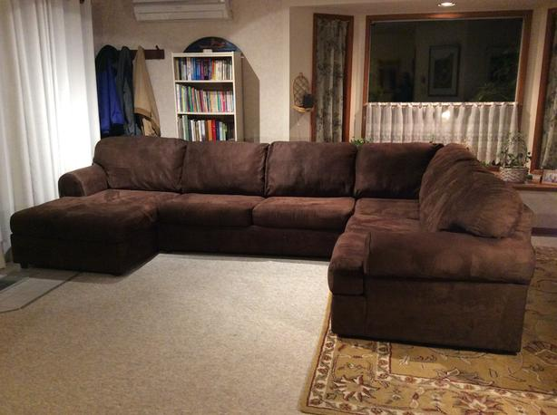 Contemporary Design 3 Piece Sectional.