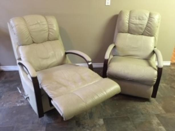 2 Lazy Boy Top Grain Leather Recliners