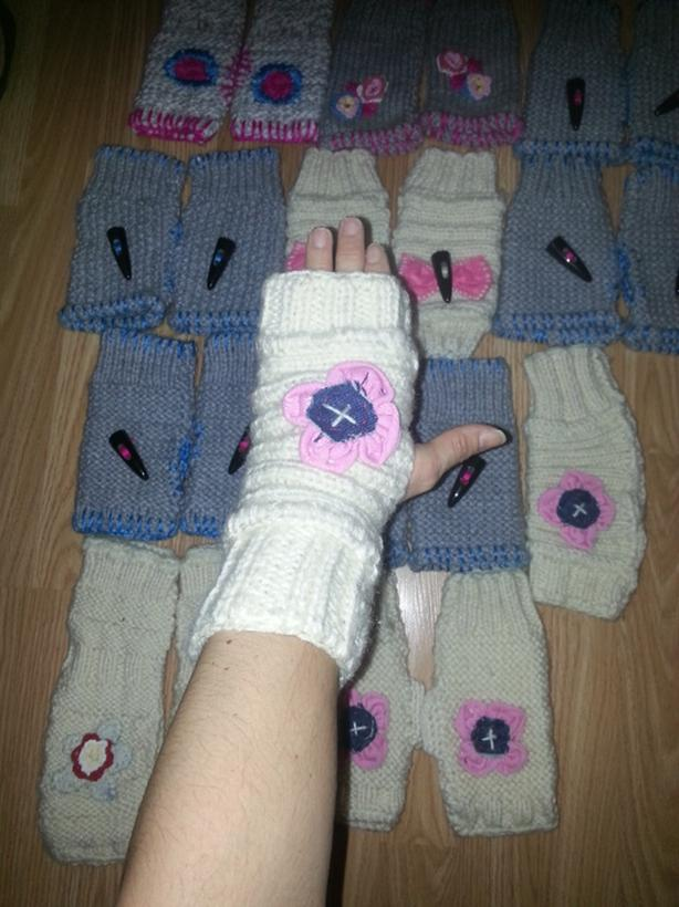 lot of 17 Handwarmers mittens texting gloves handknitted and recycle