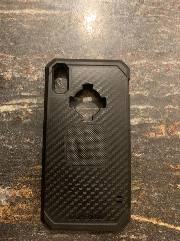 size 40 5c42f 9b152 rokform carbon case for iphone XR Saanich, Victoria