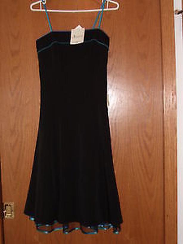 dress , black size 6 ,