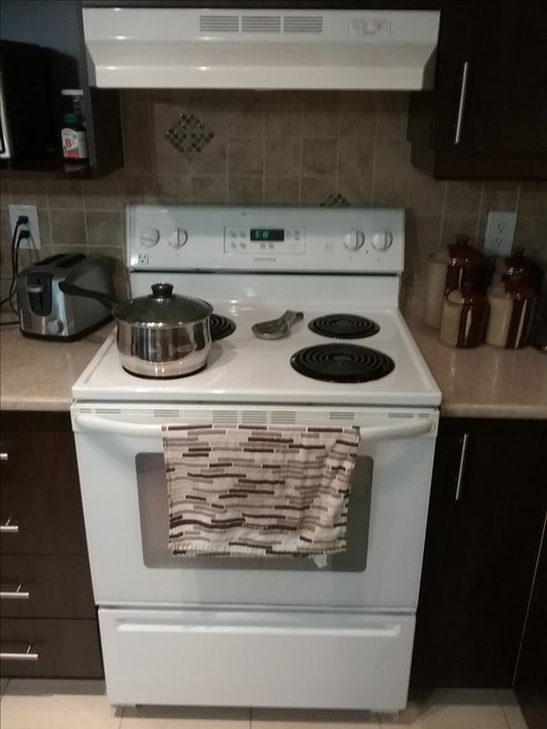 Maytag advanced cooking system stove