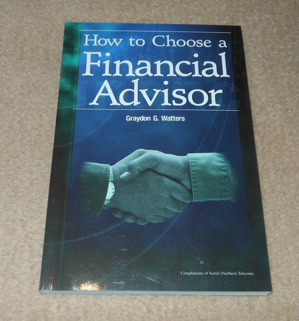 How to choose a Financial Advisor softcover book
