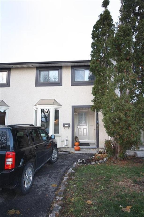 Three Bedroom Townhome in sought after Convent Glen North Orleans